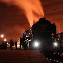 情感-火车启动-黄昏-旅行-旅途-H5素材